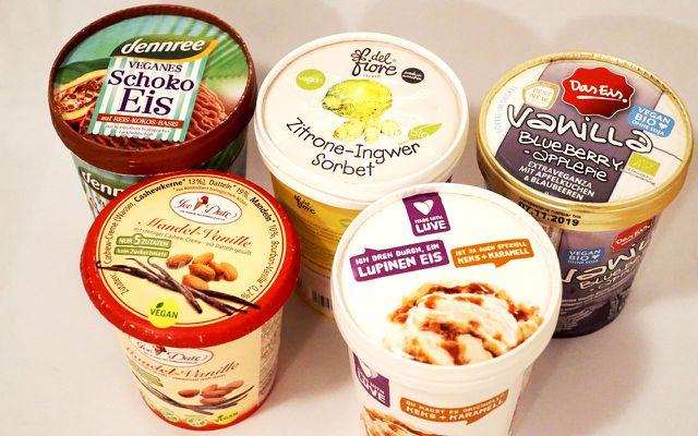 Die Auswahl an veganem Eis ist groß.