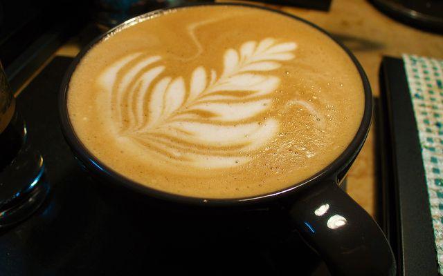 Sojamilch im Kaffee