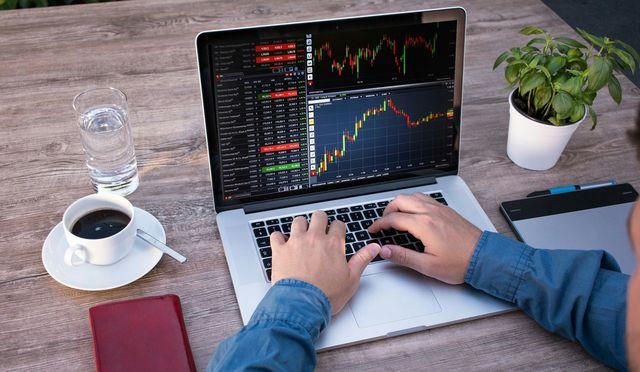 CSR-Berichte stehen im Internet auf den Firmensites.