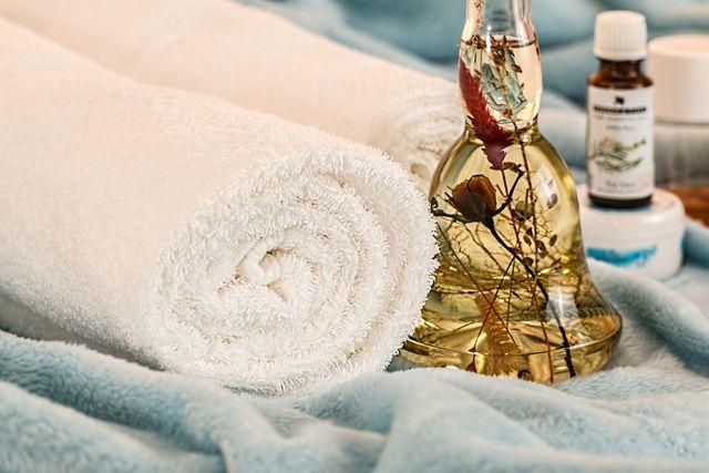 Die Shiatsu-Massage stammt ursprünglich aus Japan und stützt sich auf die Traditionelle Chinesische Medizin.
