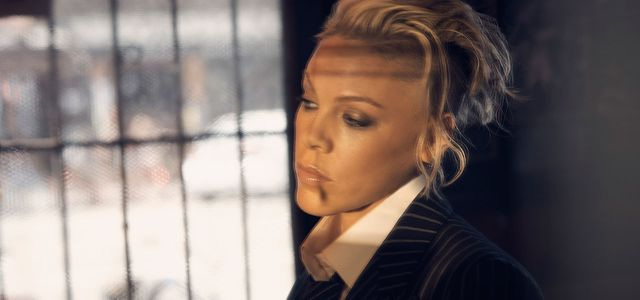 Sie Sängerin Pink will das Bußgeld für die norwegische Beachhandball-Damenmannschaft übernehmen.