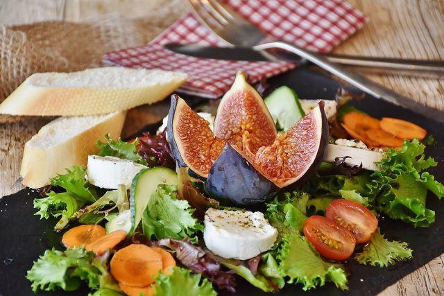 Staycations werden besonders schön mit leckerem saisonalem Essen.