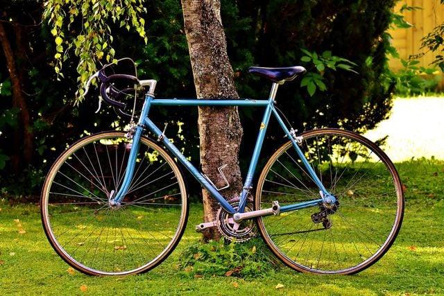 Beim Fahrradfahren schützt du nebenbei die Umwelt.