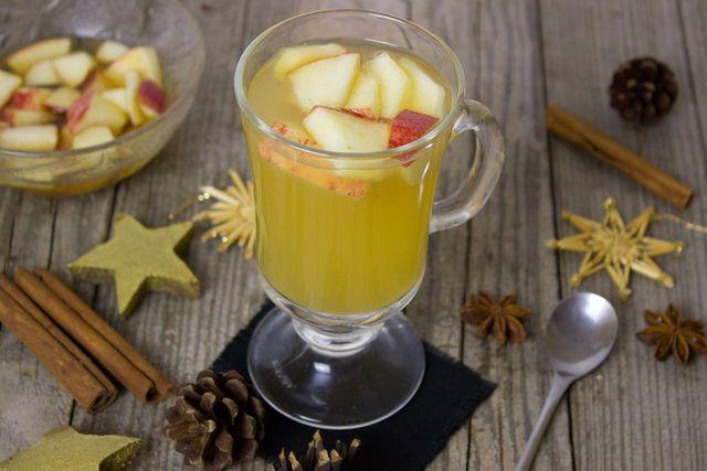Saisonal: Alkoholfreie Bowle mit Äpfeln