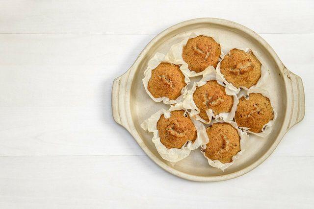 Deinen übrig gebliebenen Kartoffelbrei kannst du zu Muffins verwerten.