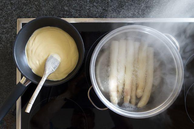 Sauce Hollandaise für Spargel selber machen