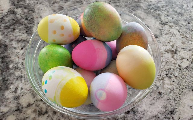 natural egg dye dyeing Easter eggs organic ingredients recipe from scratch