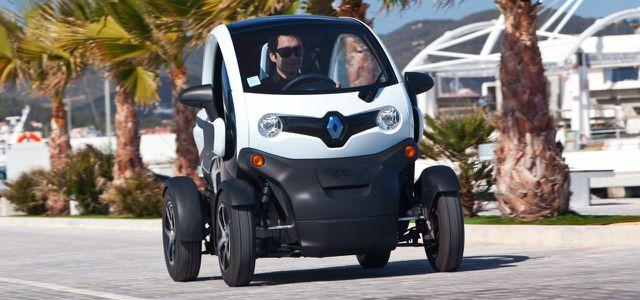 Renault Twizy: klein genug, um quer zu parken