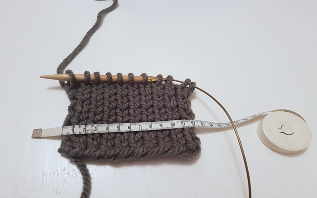 how to knit a beanie hat tension gauge