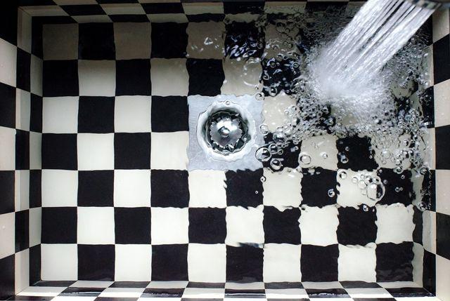 Für Mann und Frau gilt: Wasser ist für die Intimhygiene ausreichend.