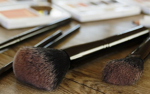 Best ways to wash clean makeup brushes