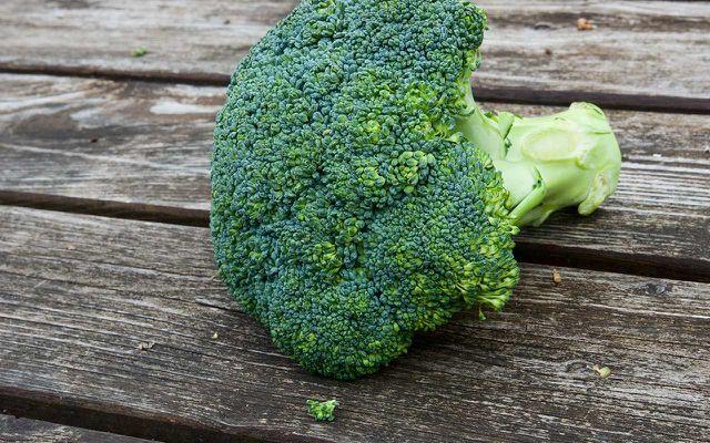 Regionale Alternativen zu Superfoods: Brokkoli statt Weizengras