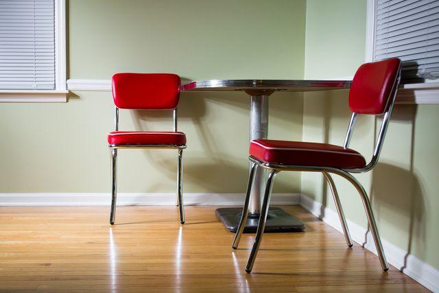 Linoleum Fußboden Kaufen ~ Linoleum verlegen worauf du beim bodenbelag achten musst utopia