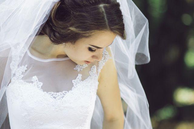 Um dein Brautkleid zu verkaufen, sind aussagekräftige Fotos wichtig.
