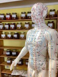 Akupunktur stammt aus der traditionellen chinesischen Medizin.