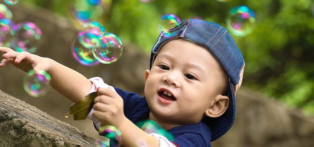 Seifenblasen Selber Machen Einfaches Rezept Für Kinder Utopiade