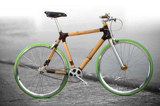 Nicht immer mit korrektem Fahrradlicht: Bambus-Fahrräder