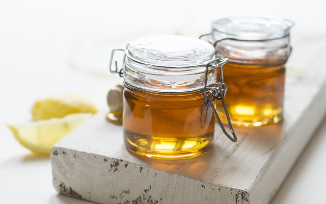 Agave nectar vegan honey substitute