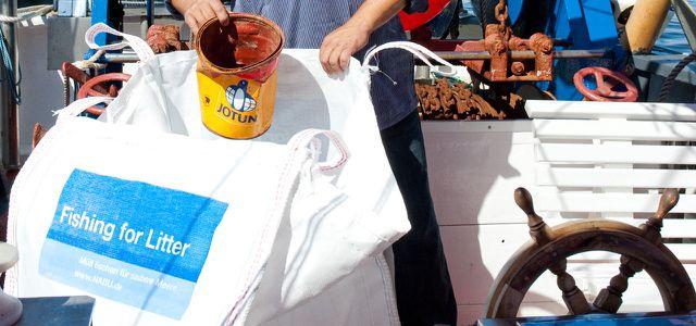Projekte gegen Plastikmüll im Meer: Fishing for Litter