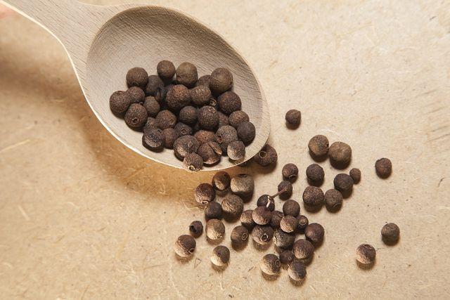 Piment und seine wertvollen Inhaltsstoffe wirken sich positiv auf deine Gesundheit aus.