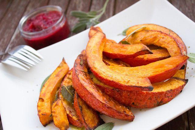 Pumpkin Spice passt zum Beispiel zu gebackenem Kürbis.