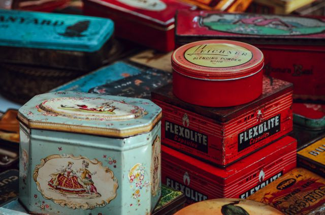 Pack Christmas presents in vintage tins