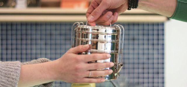 Eco Brotbox bei der Übergabe / Tiffin Projekt