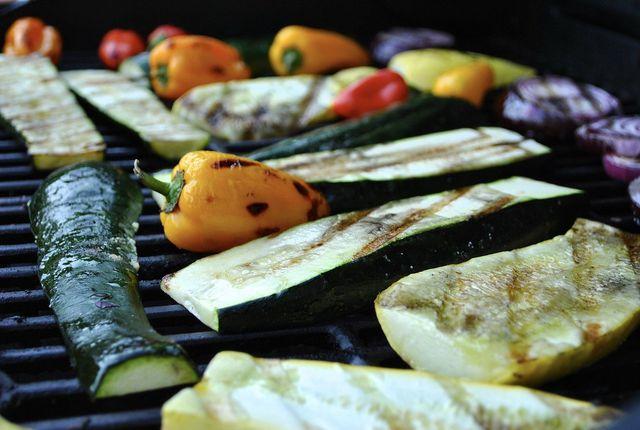 Grillgemüse ist schnell vorbereitet und lässt sich ganz nach Belieben variieren.
