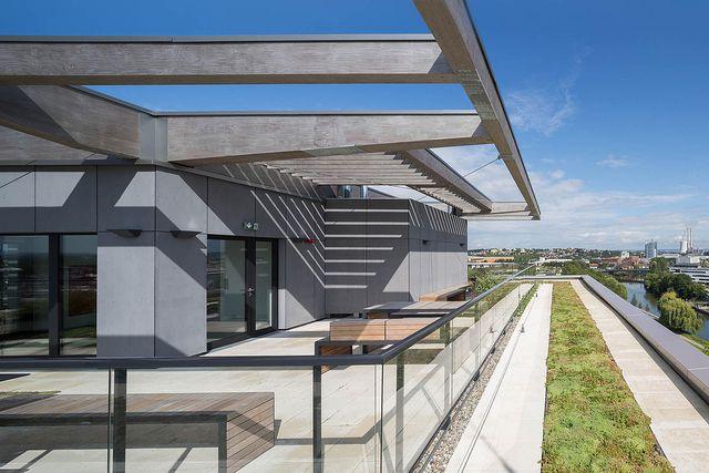 """Das Holzhochhaus SKAIO in Heilbronn ist einer der drei Sieger in der Kategorie """"Architektur""""."""