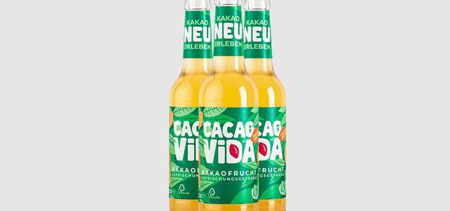 Das neue Kakaofrucht-Erfrischungsgetränk des Ritter Sport Start-up CacaoVida.