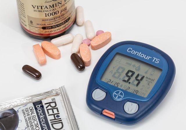 Auch Diabetes und andere Erkrankungen können Ursache für kalte Hände sein.