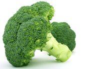 Brokkoli enthält viel Eisen.