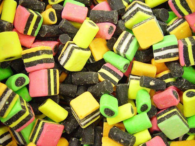 Kindersüßigkeiten aus Lakritze enthalten oftmals nur minimale Mengen an Salmiak.