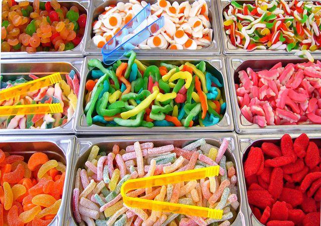 Isoglucose steckt in vielen Süßigkeiten, Getränken oder Fertiggerichten.