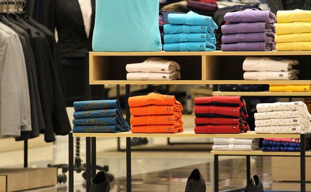 T-Shirts sind aus Modal-Stoff gefertigt.