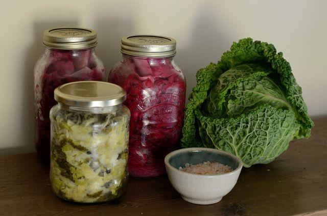 Milchsauer vergorenes Gemüse trägt zu einer gesunden Darmflora bei.