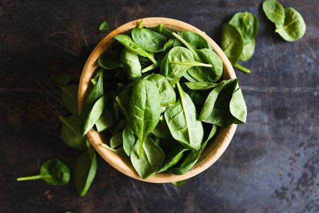 Salat und Gemüse geht immer, sie sind sogenannte neutrale Lebensmittel.