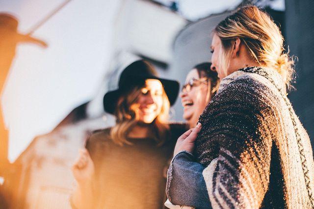 Kleidertauschpartys kannst du mit einer Initiative planen.