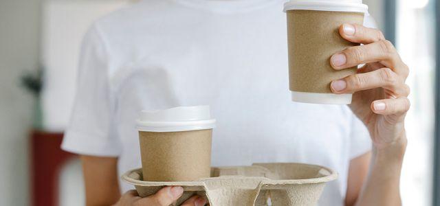 Der SWR-Marktcheck kritisiert To-Go-Kaffeebecher.