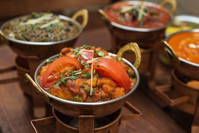 Besonders Hülsenfrüchte lassen sich lecker indisch zubereiten und bilden einen gute Möglichkeit diese in die Ernährung zu integrieren.