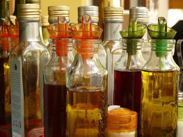 Der Einlege-Sud kann auf Essig- oder Ölbasis hergestellt werden.