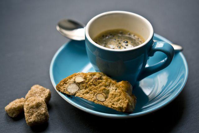 Reinige deine Handkaffeemühle unbedingt regelmäßig.