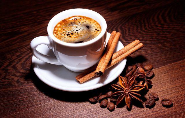 Kaffee unterstützt die entzündungshemmende Wirkung von Zimt.