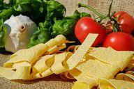 Für Nudeln mit Pilzen eignen sich Tagliatelle, aber auch andere Pasta-Sorten.