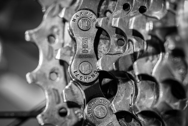 Um die Fahrradkette zu wechseln, musst du die Kette öffnen.