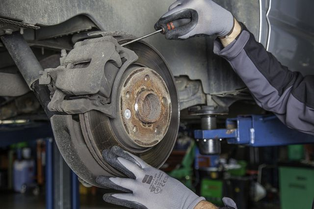 Verschweige keine Reparaturen oder Schäden, wenn du dein gebrauchtes Auto verkaufst.