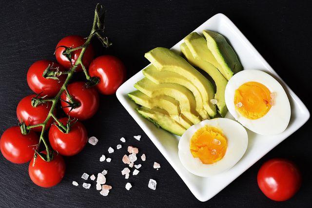 Ohne tierische Produkte ist eine ketogene Ernährung schwierig.