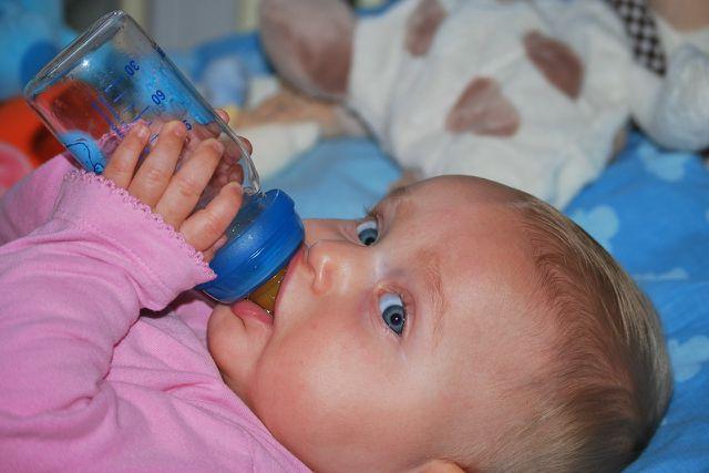 Maximal 50ml verdünnten Fencheltee für Babys.
