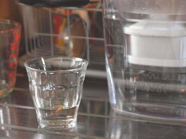 Wasser filtern oder nicht : Wie sinnvoll sind Wasserfilter?