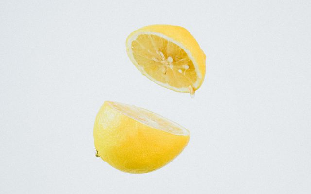 Lemon juice method to getting rid of sweat stains